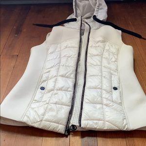 micheal kors zip-up white vest